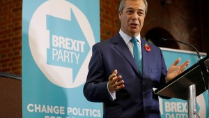 Farage erneuert Angebot an Johnson