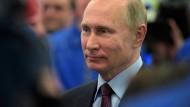Der russische Präsident Wladimir Putin beim Besuch einer Flüssiggasanlage Anfang Dezember im Hafen von Sabetta