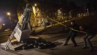Denkmalschutz: Die Statue von Pfarrer Jankowski in Danzig fällt.