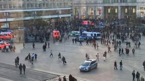 Festnahmen nach Massenschlägerei auf Berliner Alexanderplatz