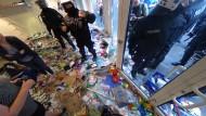 Der verwüstete Drogeriemarkt im Schanzenviertel
