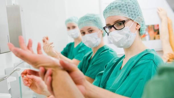 Medizinstudenten sollen in Krankenhäusern aushelfen