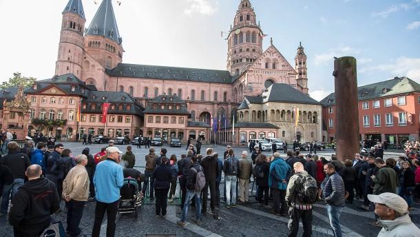 Karl Kardinal Lehmann Wird Am 21 M Rz In Mainz Beigesetzt