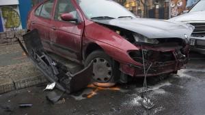 Illegales Autorennen oder Unfall mit Fahrerflucht?
