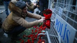Angriff auf ein Symbol Istanbuler Leichtigkeit