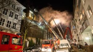 Großeinsatz wegen Brandes auf Musikbunker in Hamburg