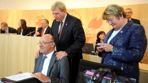 Hahn wehrt sich gegen Kritik nach Ministerrücktritten