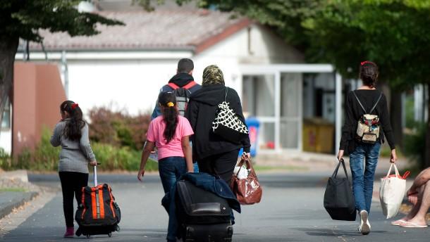 Immer mehr Flüchtlinge zeigen sich selbst wegen Terrors an