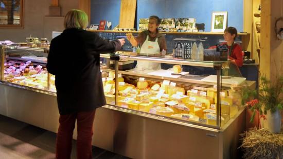 Einkaufen im Bio-Hofladen: mehr Ethik geht kaum.