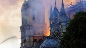 Feuer in der Notre-Dame