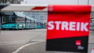 Trotz Tarifverhandlung: Busfahrer streiken weiter