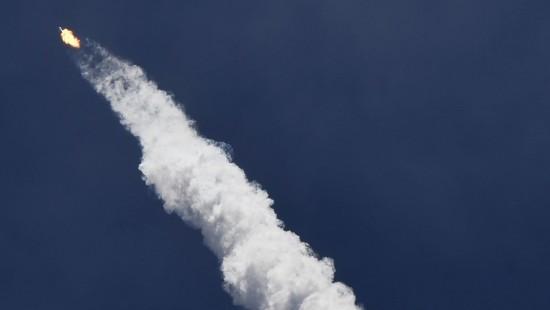 """Die """"Falcon 9""""-Rakete hebt endlich ab"""