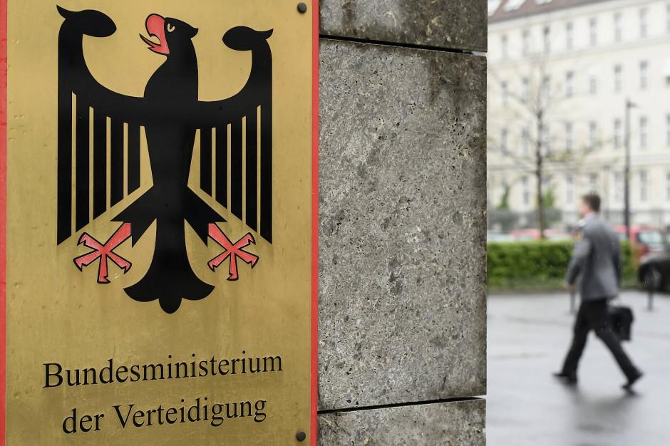 In der Bundeswehr gärt es – und die Hausherrin im Verteidigungsministerin muss sich viele Fragen gefallen lassen