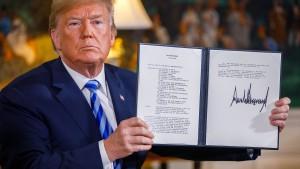 Trumps Wahlkalender und das Ende des Waffenembargos