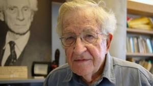 Noam Chomsky sieht tiefe Krise der Demokratie