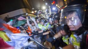 In Hongkong prallten Sicherheitskräfte und Aktivisten aufeinander