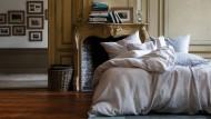 Haptik im Schlaf: Glatte Baumwolle kühlt den Körper
