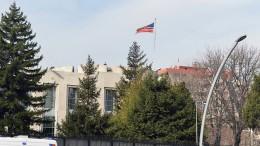 Schüsse auf Amerikanische Botschaft