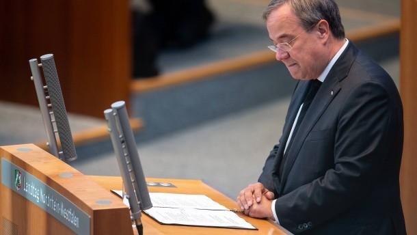 Gedenken an die Flutopfer im NRW-Landtag