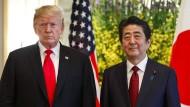 Donald Trump bei seinem Treffen mit dem japanischen Regierungschef Shinzo Abe.
