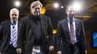 Der Vorsitzende der American Conservative Union, Matt Schapp, Donald Trumps Chefstratege Stephen Bannon und Stabschef Reince Priebus