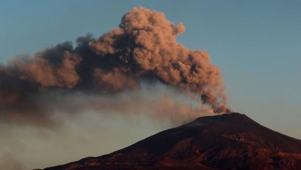 Vulkanasche aus dem Ätna – Flughafen Catania stoppt Flüge