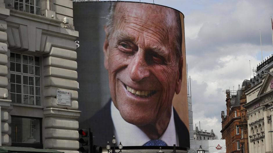Für viele war Prinz Philip auch Sinnbild des lernunwilligen, arroganten Oberschicht-Vertreters.