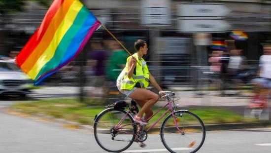 Fahrraddemo statt Parade am CSD in Hamburg