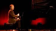 Wenn Brad Mehldau von Bach spricht, nennt er die Einflüsse, die der Komponist auf sein Spiel und seinen Stil hatte.