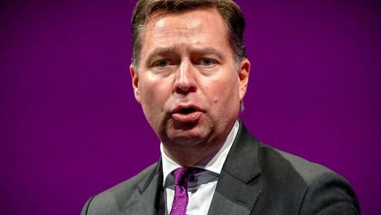 Innenstaatssekretär verteidigt Seehofer in Datenklau-Affäre