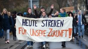 Schüler demonstrieren gegen Klimapolitik