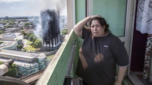 Wie schützt man Bewohner von Hochhäusern vor Feuer?