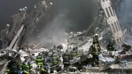Wo die Twin Towers standen, blieb nur noch Schutt und Rauch zurück. In diesen giftigen Dämpfen arbeiteten Rettungskräfte monatelang - meist ohne Atemschutz.