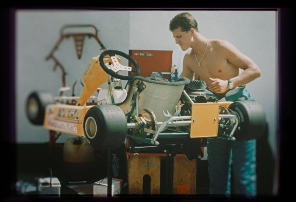 """Der frühere Formel-1-Rennfahrer Michael Schumacher in einer Szene der Netflix-Dokumentation """"Schumacher"""""""