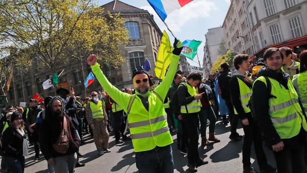 """""""Gelbwesten"""" blockieren Ringautobahn in Paris"""