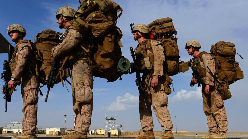 Mit Sack und Pack: Amerikanische Soldaten in Afghanistan.