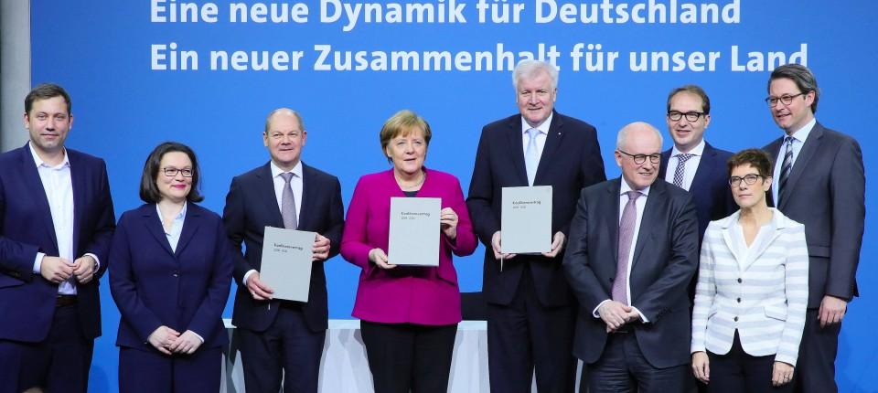 Ein neuer Zusammenhalt für unser Land? Derzeit haben Union und SPD schon mit dem koalitionsinternen Zusammenhalt einigen Ärger.