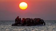 Fast 2000 Flüchtlinge an einem Tag gerettet