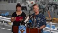 """Der amerikanische Vizeadmiral Joseph Aucoin, hier bei einer Pressekonferenz zur Kollision der """"Fitzgerald"""" im Juni 2017"""