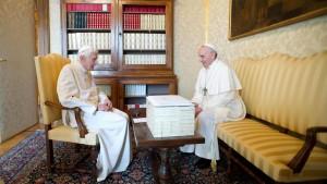 Neue Enzyklika vertritt Theologie des alten Papstes