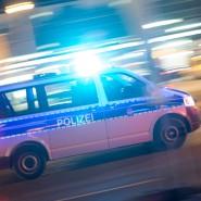 Im Einsatz: Nach dem Tod eines Jugendlichen durch einen Messerstich in Krombach ermittelt die Polizei. (Symbolbild)