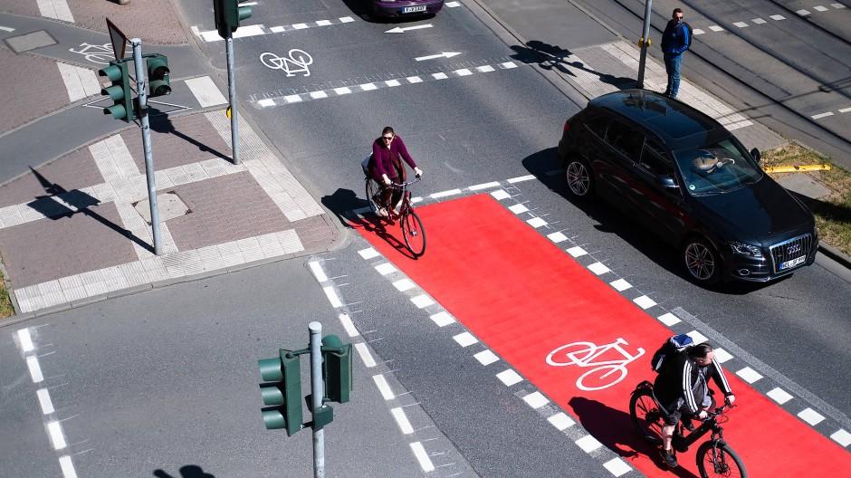 Pendlerhochburg Frankfurt: Mit den Grünen in der Stadtregierung wird die Neuordnung des Verkehrs ein spannendes Thema.