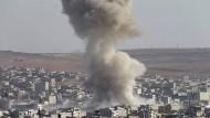 Kurdische Kämpfer wehren weitere IS-Angriffe ab