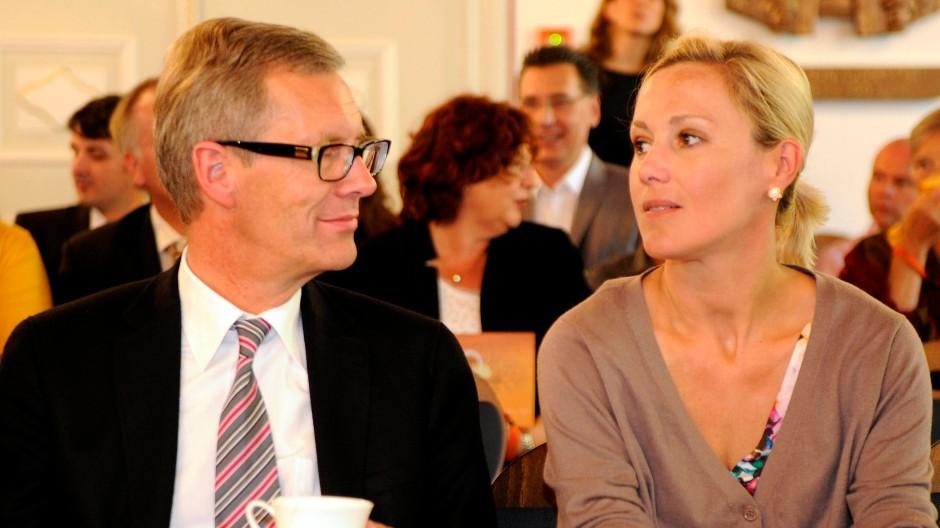 Der frühere Bundespräsident Christian Wulff und seine Ehefrau Bettina am vergangenen Dienstag in Duderstadt