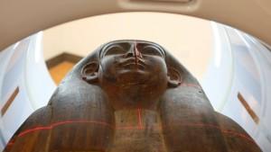 2500 Jahre alte Mumienreste in Sarg gefunden