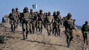 Armee startet Offensive gegen Terroristenbasen