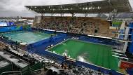Nur in dem Becken, in dem bislang die Wasserballspiele ausgetragen wurden wird das gesamte Wasser ausgetauscht.