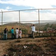 Heile Welt: Dorfbewohner schauen sich ein Baseballspiel an.