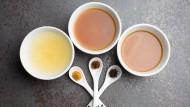 Die Miso-Paste gibt es in unterschiedlichen Geschmacksrichtungen von Ingwer bis Curry.