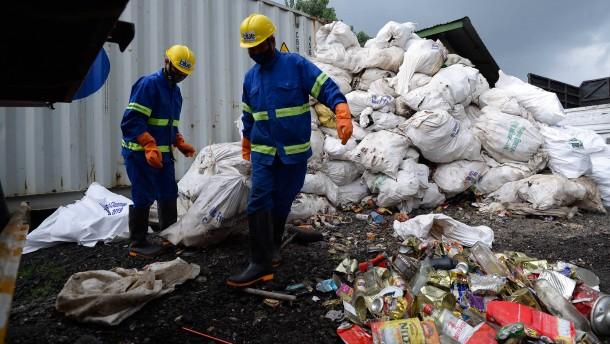 Tonnenweise Müll aus vergangenen Zeiten